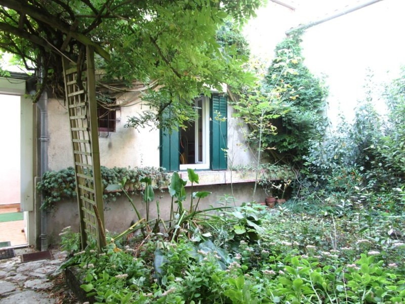 Sale house / villa Montendre 220000€ - Picture 1