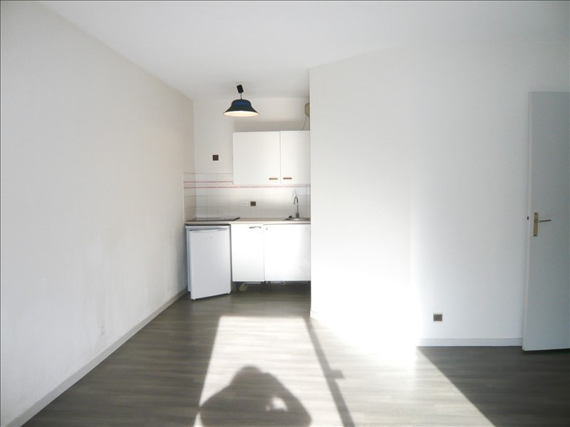 Rental apartment Pau 392€ CC - Picture 2