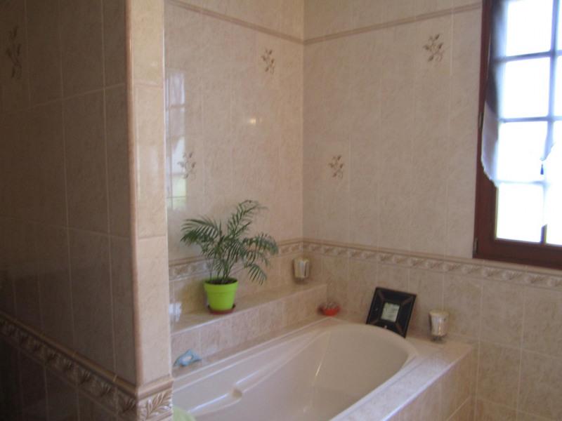 Sale house / villa Barbezieux saint-hilaire 346725€ - Picture 10