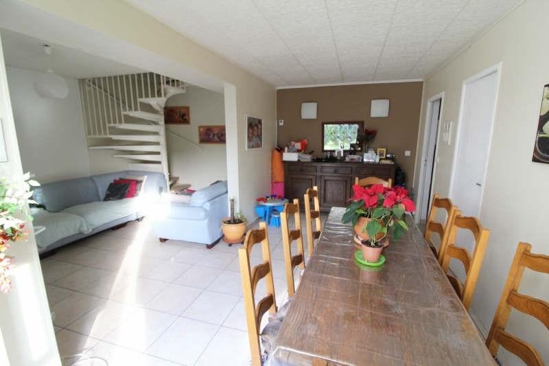 Sale apartment Maurepas 257500€ - Picture 3