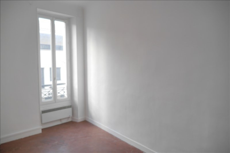 Location appartement Marseille 6ème 750€ CC - Photo 5