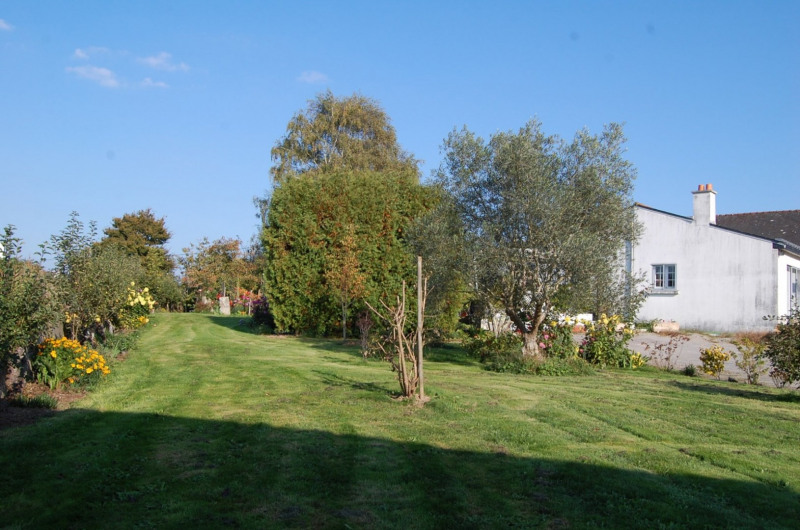 Sale house / villa Locoal mendon 180000€ - Picture 1