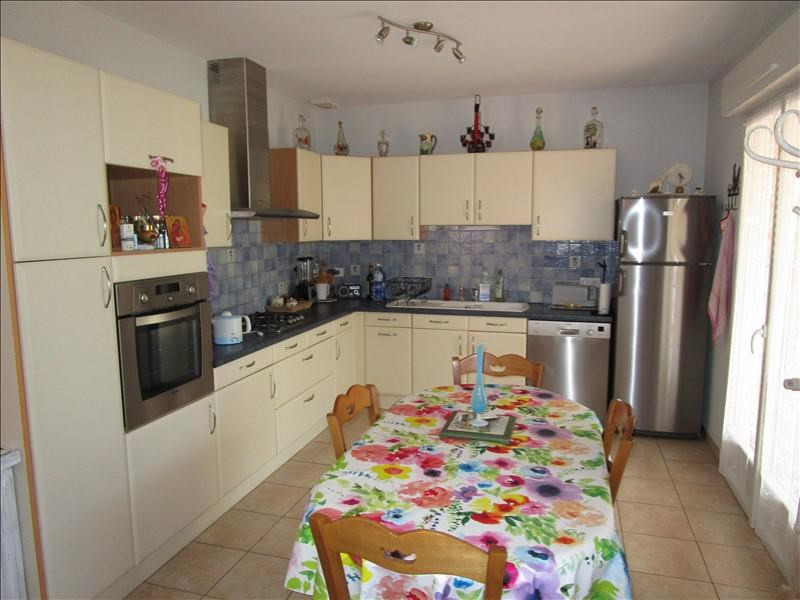 Sale house / villa Montpon menesterol 228 000€ - Picture 2