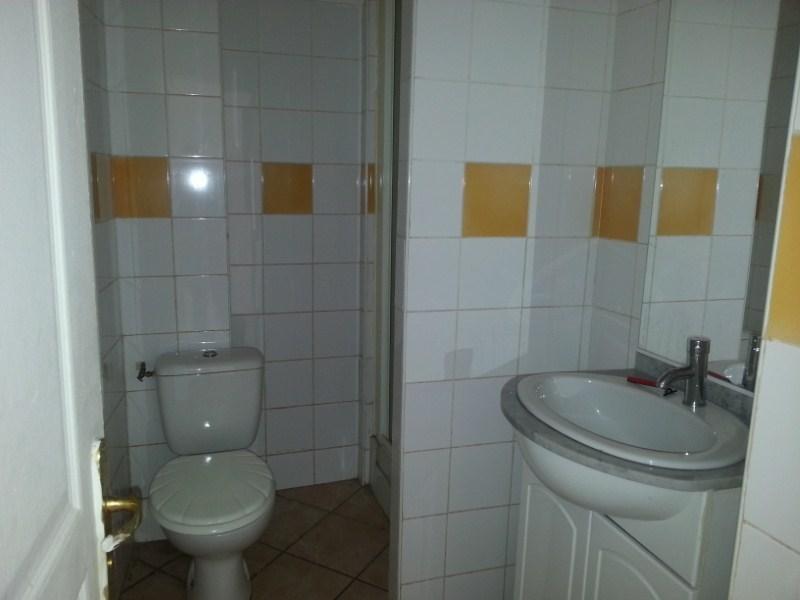 Location appartement Toulon 395€ CC - Photo 3