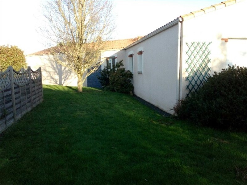 Sale house / villa La bruffiere 299 900€ - Picture 1