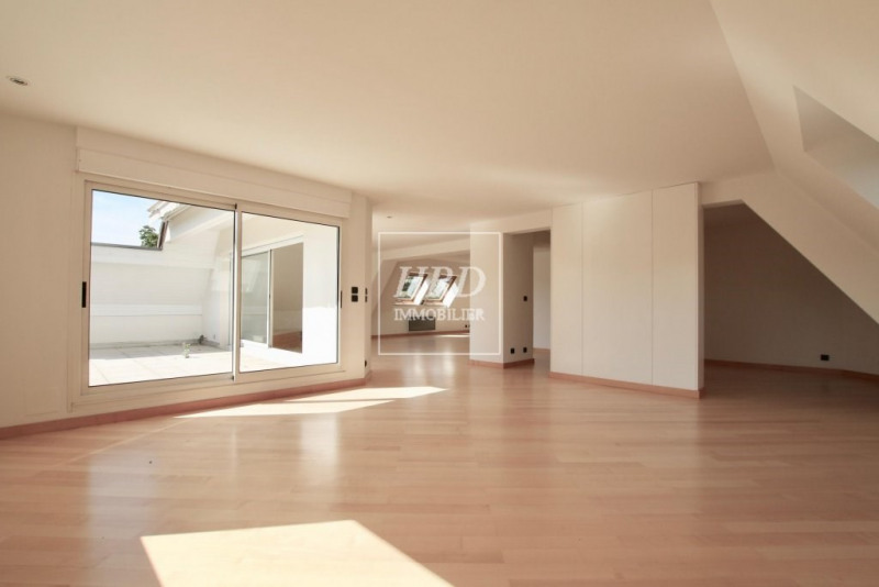 Deluxe sale apartment Strasbourg 748 800€ - Picture 2
