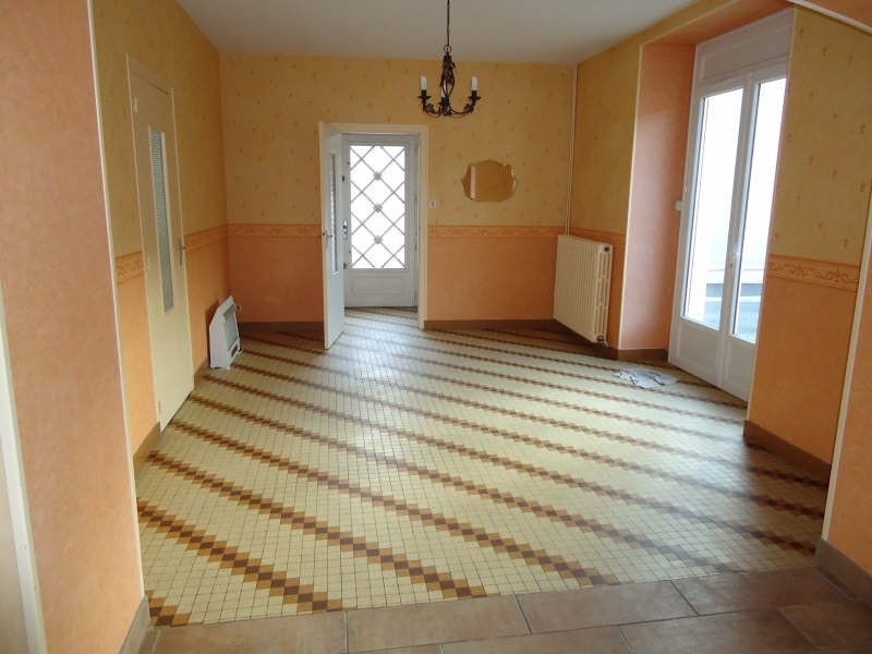 Sale house / villa Jallais 80 940€ - Picture 4
