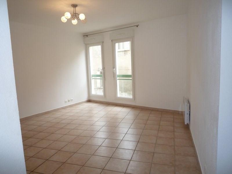 Location appartement Orange 590€ CC - Photo 2