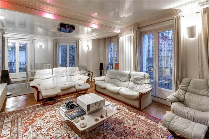Deluxe sale apartment Paris 18ème 1180000€ - Picture 2