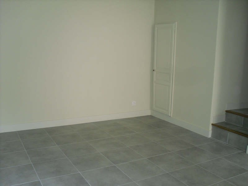 Rental apartment Nimes 649€ CC - Picture 3