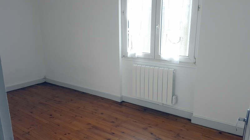 Location appartement Champagne au mont d or 595€cc - Photo 6