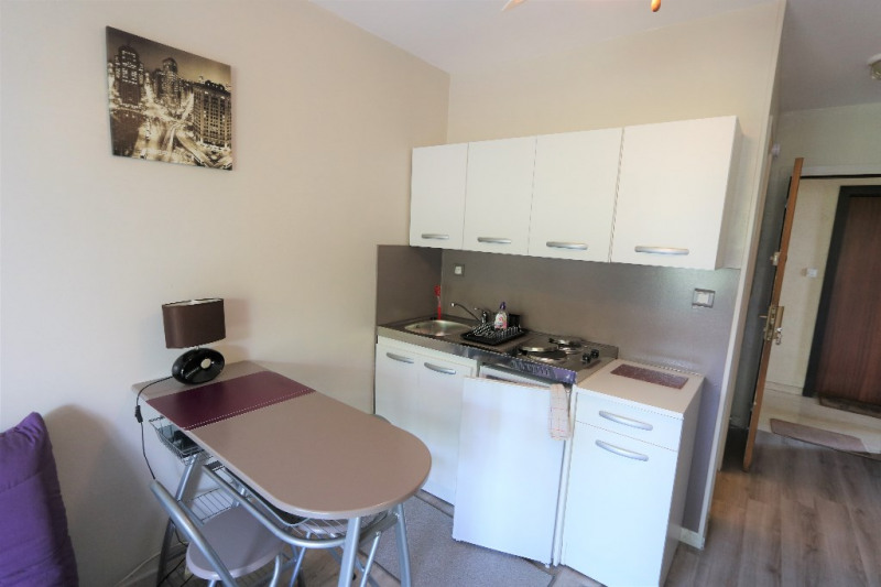 Rental apartment Nice 527€ CC - Picture 2