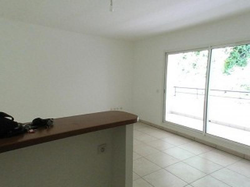 Location appartement St denis 608€ CC - Photo 3