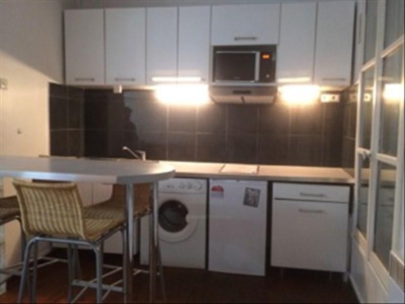 Sale apartment Paris 11ème 245000€ - Picture 2