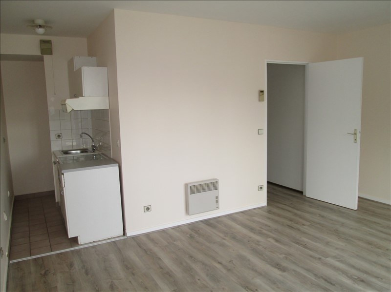Location appartement Jouy en josas 753€ CC - Photo 1