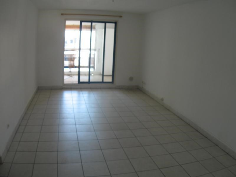 Rental apartment St denis 503€ CC - Picture 2