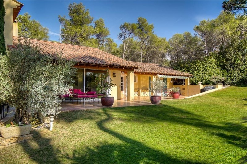 Deluxe sale house / villa Cabries 1399000€ - Picture 1
