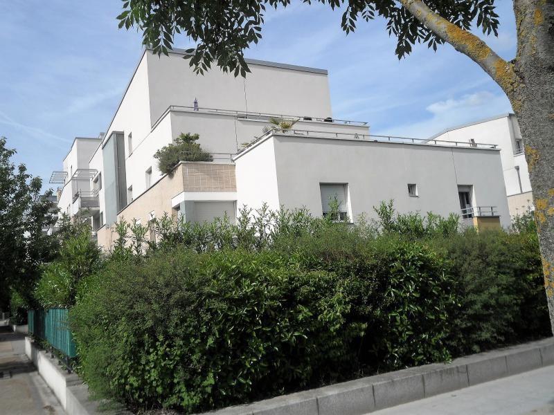 Sale apartment Gennevilliers 350000€ - Picture 1