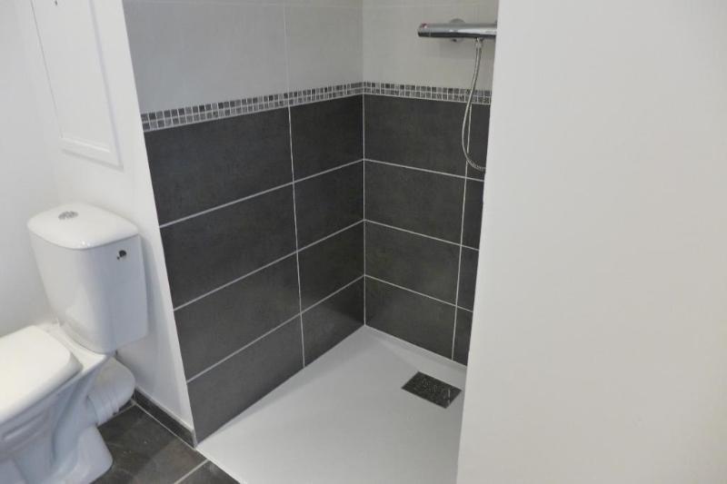 Rental apartment Bron 483€ CC - Picture 7