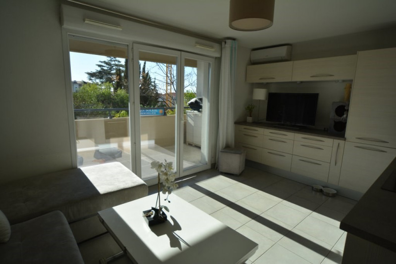 Sale apartment Antibes 155000€ - Picture 2