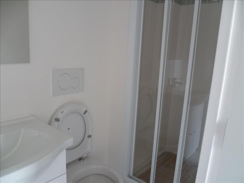 Locação apartamento Paris 18ème 620€ CC - Fotografia 2
