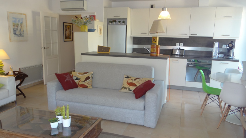 Sale apartment Cavalaire 364 000€ - Picture 3