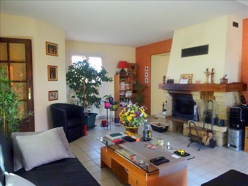 Sale house / villa Chambly 379000€ - Picture 2
