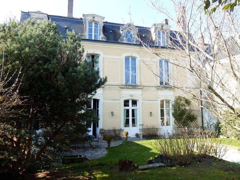 Bel hôtel particulier du 18ÈME siècle avec jardin et garage Uchacq-et-Parentis