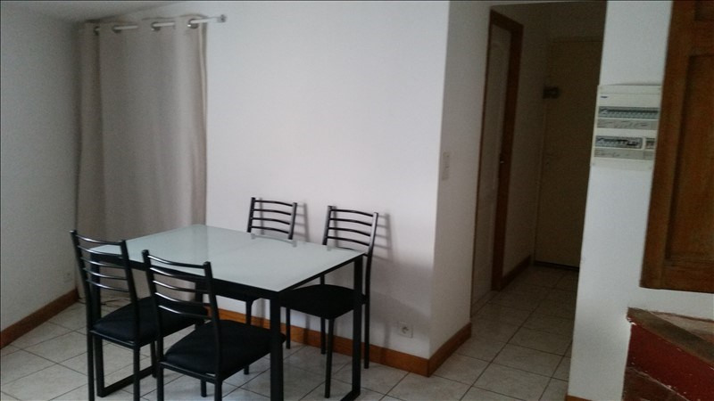 Rental apartment Lodeve 430€ CC - Picture 3