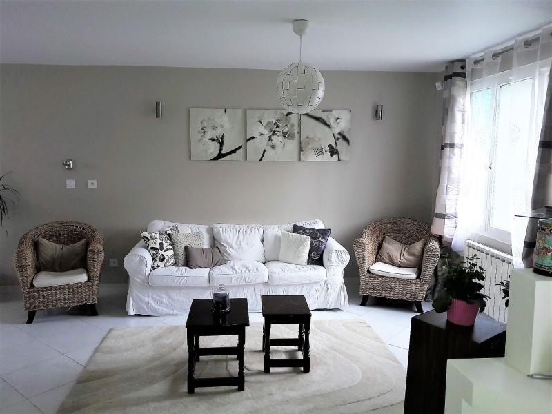 Sale house / villa Taverny 382000€ - Picture 2