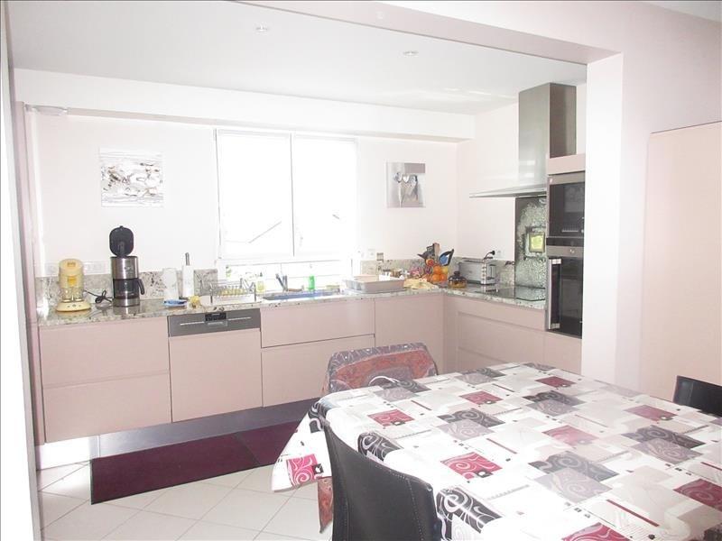 Sale house / villa Plouhinec 296970€ - Picture 2
