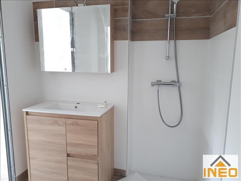Location maison / villa Melesse 1 010€ CC - Photo 5