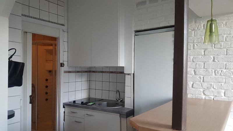 Location appartement Paris 18ème 870€ CC - Photo 3