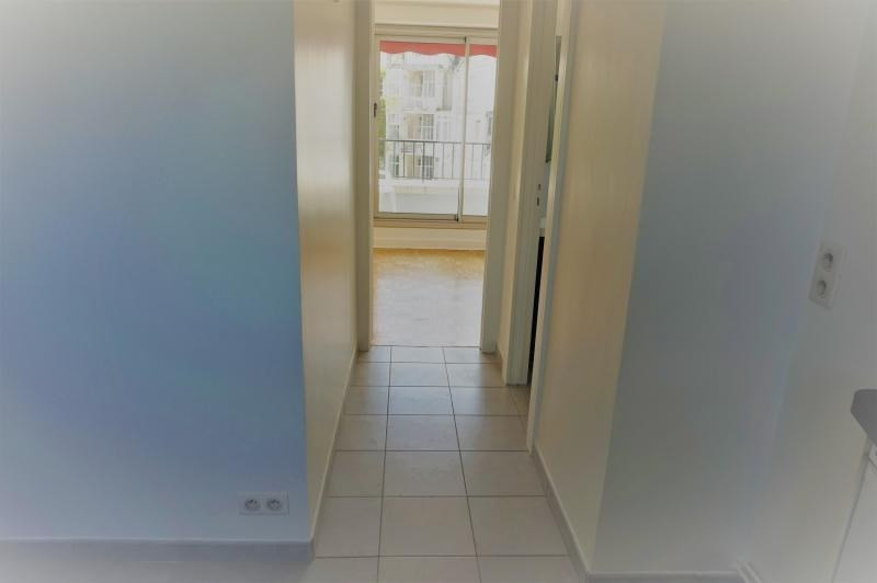 Location appartement Neuilly sur seine 970€ CC - Photo 5
