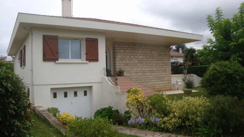 Sale house / villa Le passage 227 000€ - Picture 1