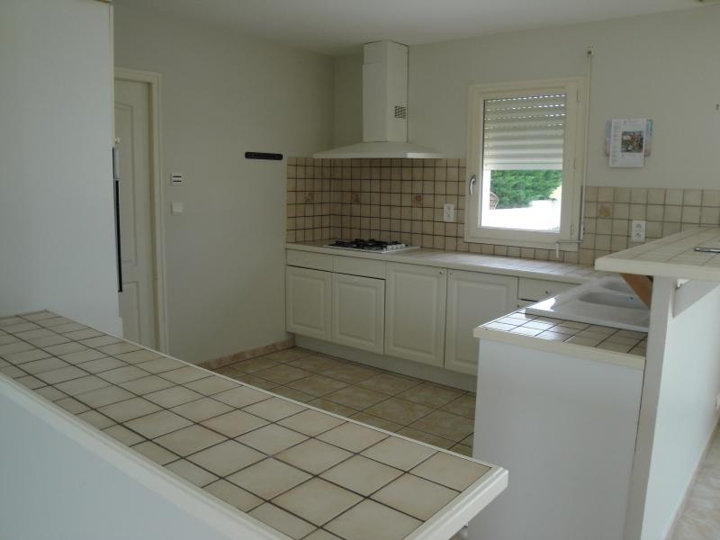 Sale house / villa Aiffres 178000€ - Picture 4