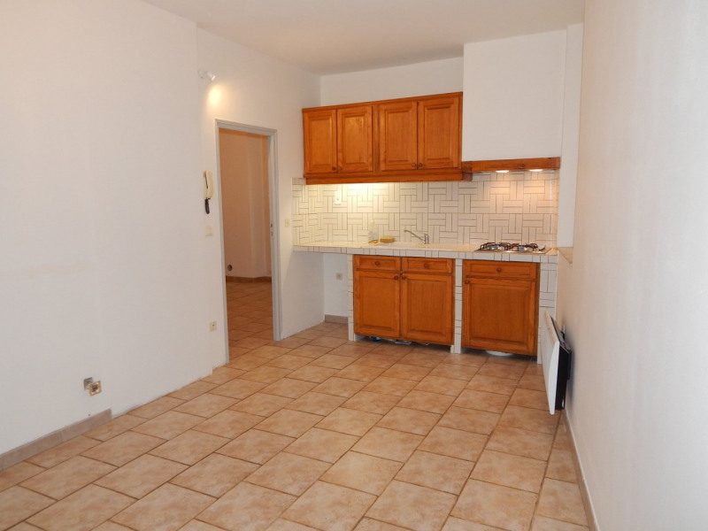 Location appartement Salernes 600€ CC - Photo 3