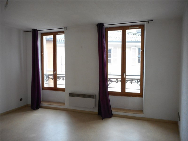 Rental apartment Voiron 348€ CC - Picture 1