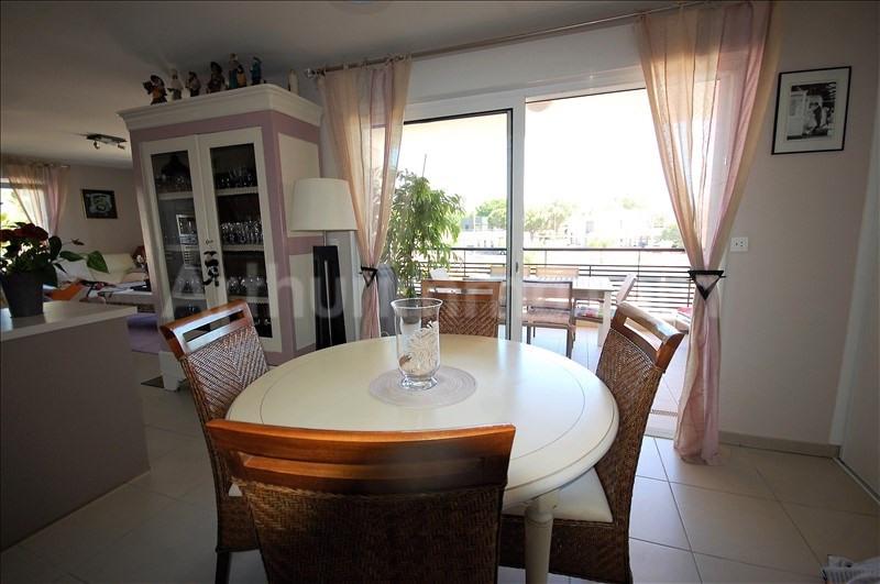 Deluxe sale apartment Frejus 560000€ - Picture 3