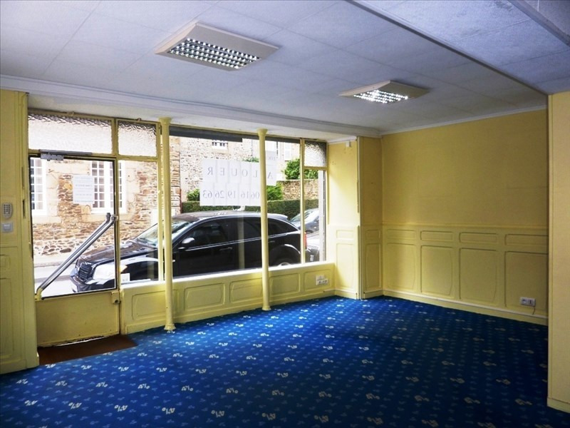 Location local commercial Fougeres 800€ HT/HC - Photo 2