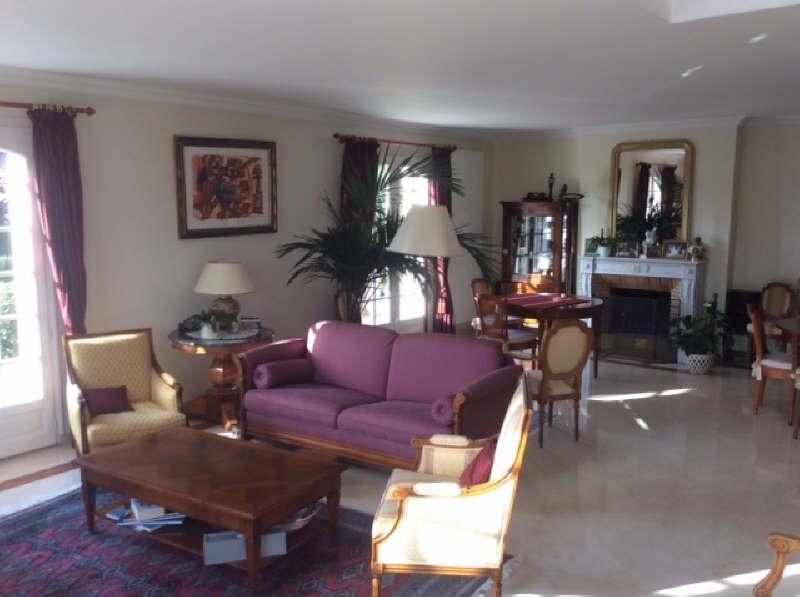 Deluxe sale house / villa Beauchamp 750000€ - Picture 3
