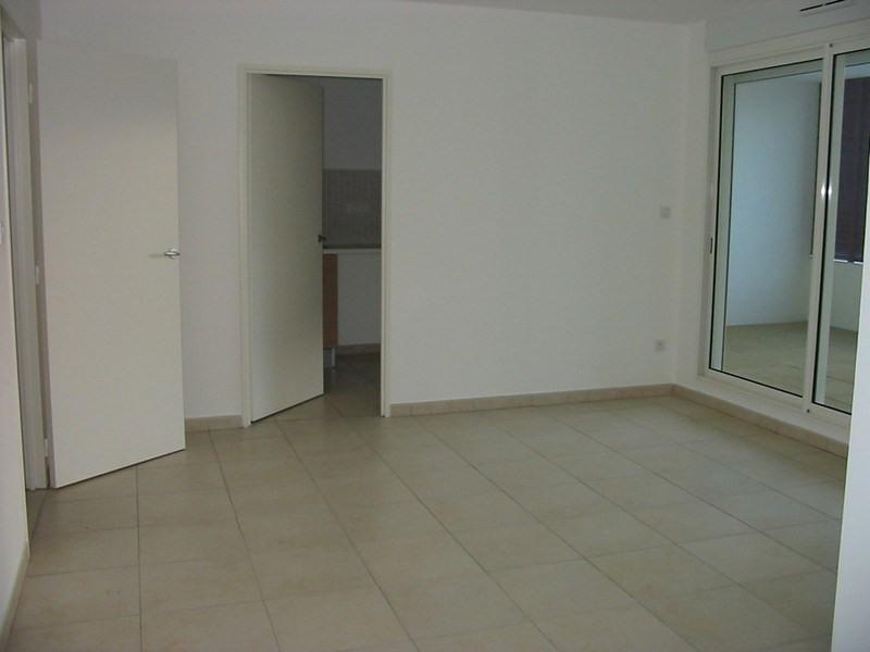 Location appartement Bois de nefles 748€ CC - Photo 1