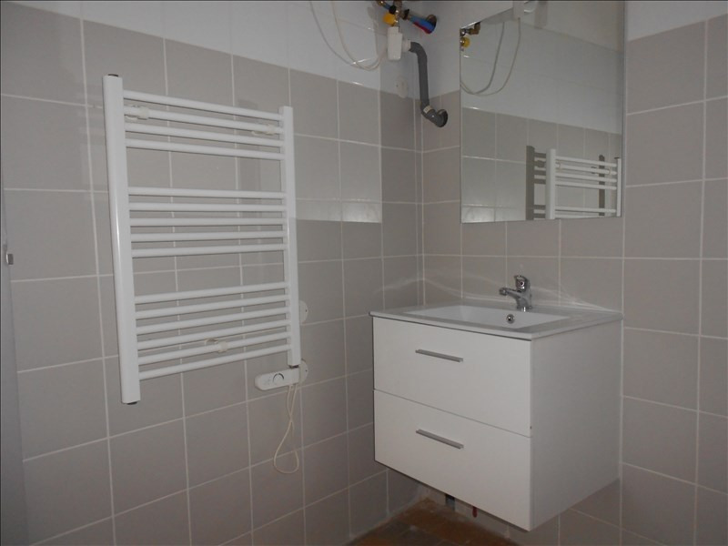 Location local commercial Provins 590€ HT/HC - Photo 5