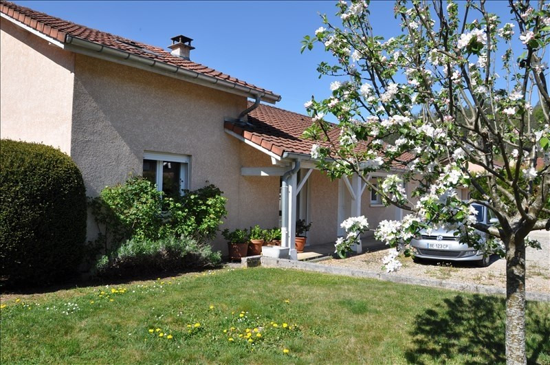Sale house / villa Thoirette 229 000€ - Picture 1