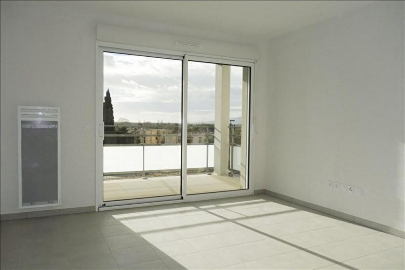 Rental apartment Londe les maures 693€ CC - Picture 3