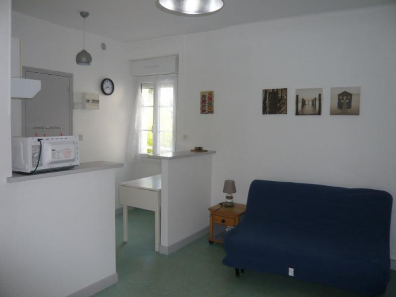 Rental apartment Laval 268€ CC - Picture 1
