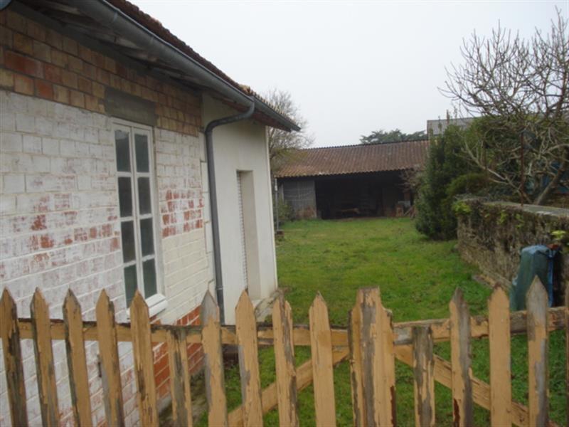 Sale house / villa Bords 148500€ - Picture 2