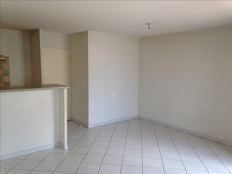 Rental apartment Salon de provence 750€ CC - Picture 1
