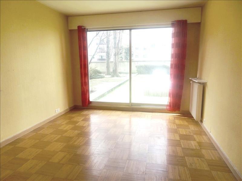 Rental apartment Levallois 930€ CC - Picture 1