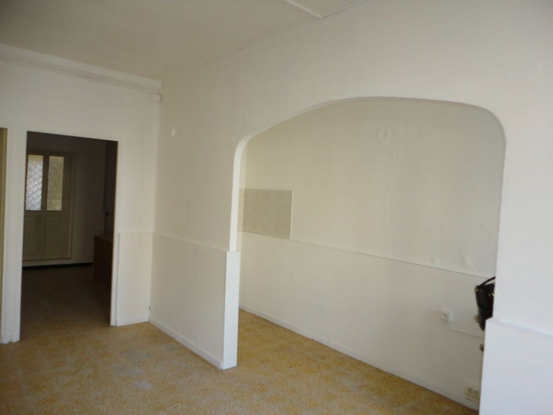 Location appartement Entraigues sur la sorgues 410€ CC - Photo 2